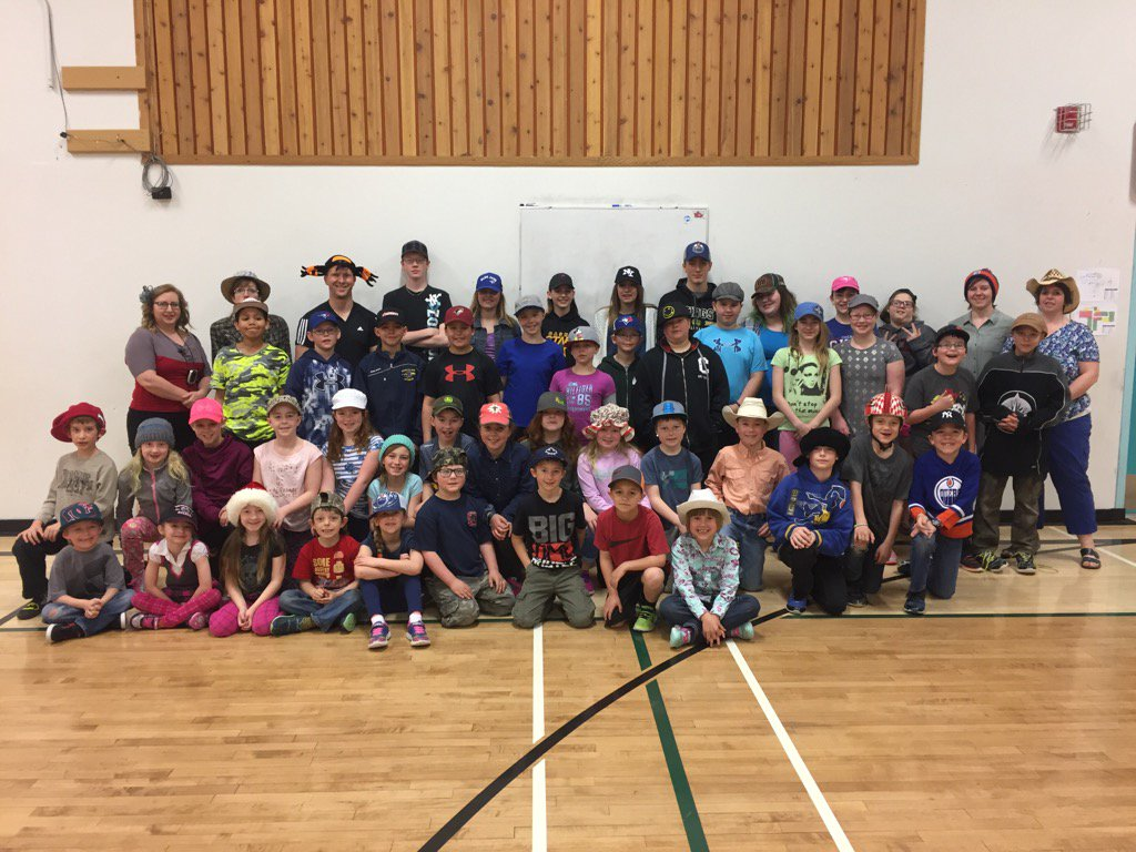 Hats on for mental health at #donsch #csd71 https://t.co/8sSWKYdSHR