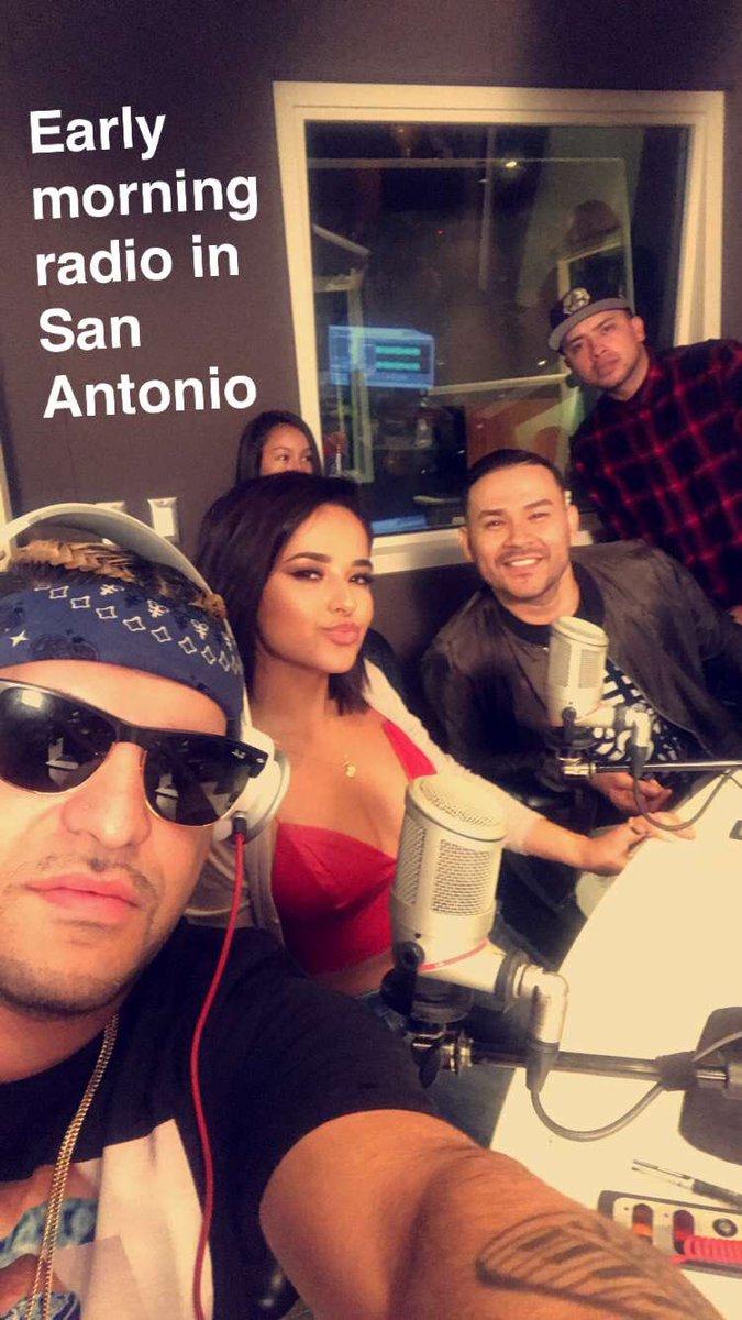 Early Morning Radio w/ @therealfrankiej @iambeckyg doing show tonight get your tickets now San Antonio #siunavez https://t.co/sF9BqUKKqv