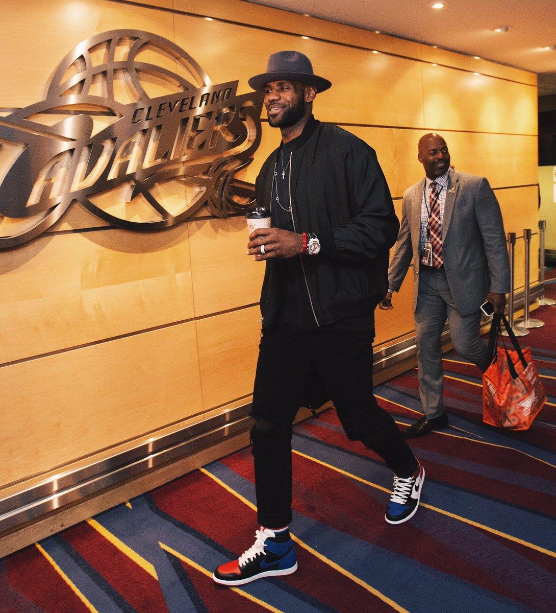LeBron James arrives in the Air Jordan