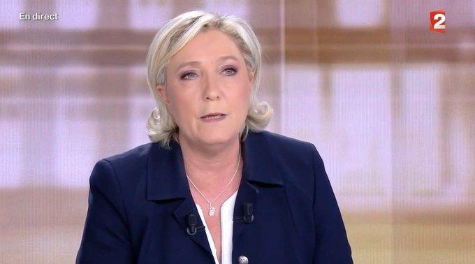 L'UE coûte 9 milliards d'euros par an? Marine Le Pen se trompe, Macron est plus exact https://t.co/389g33EVzv  #2017LeDebat