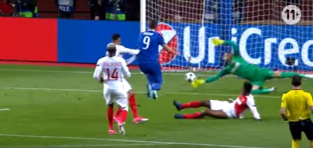 Higuain scores after a perfect attack with two backheels. Amazing... #mustsee #asmjuv #pxs11. Click on link:  https://www. youtube.com/watch?v=EyqYiJ oebyU &nbsp; … <br>http://pic.twitter.com/VVLtOp43Qd