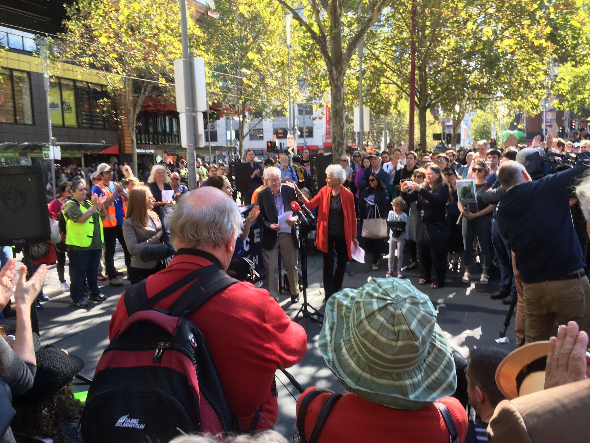 #marchforscience #Melbourne #Australia  @ProfPCDoherty and Fiona Stanley 😀 https://t.co/U5NyIUQFYR