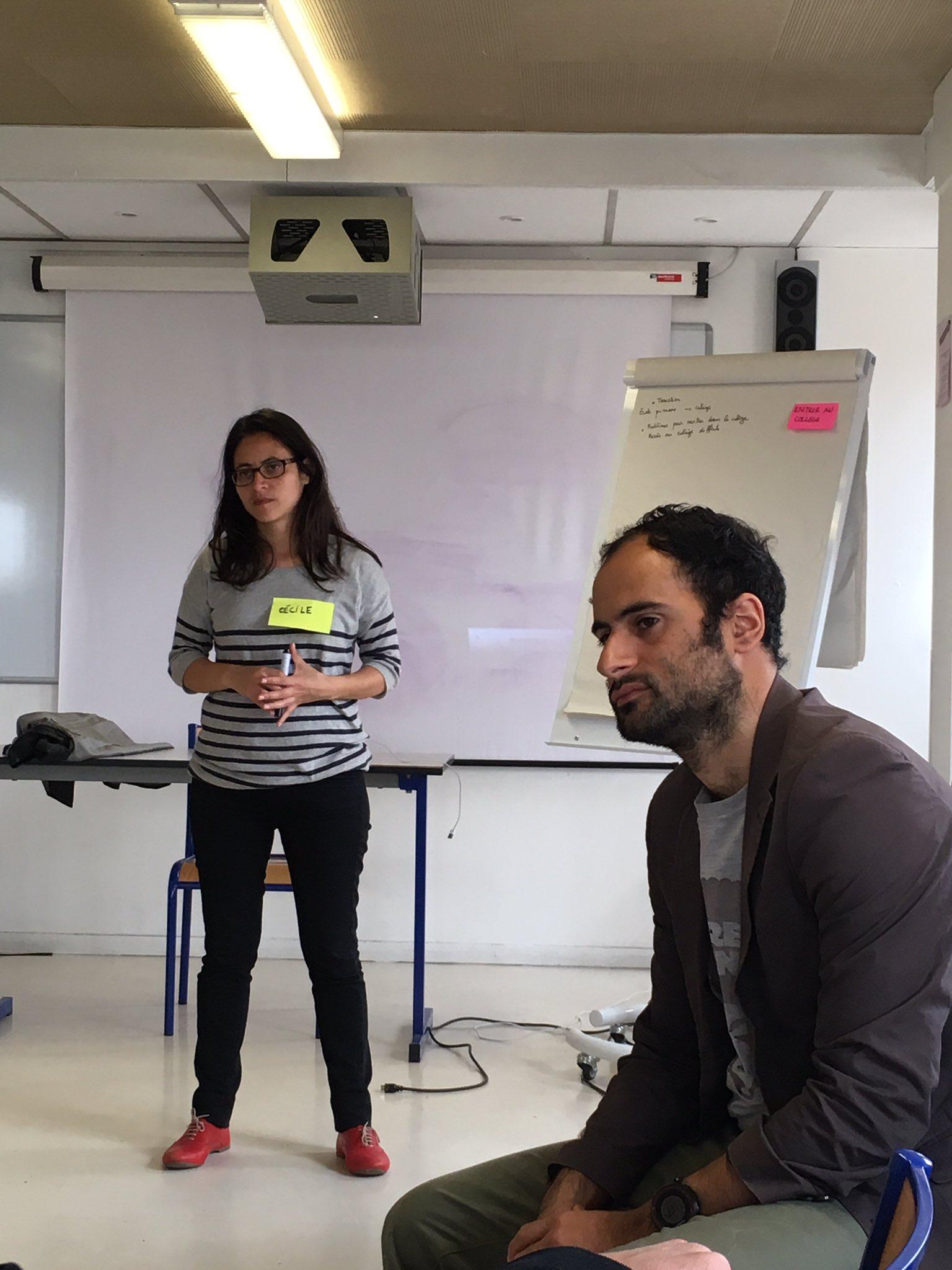 Cécile et @samgoeta animent l'atelier et expliquent l'objectif de la journée: comprendre les besoins réels des allocataires de la CAF du 18e https://t.co/tk0zWsRgf5