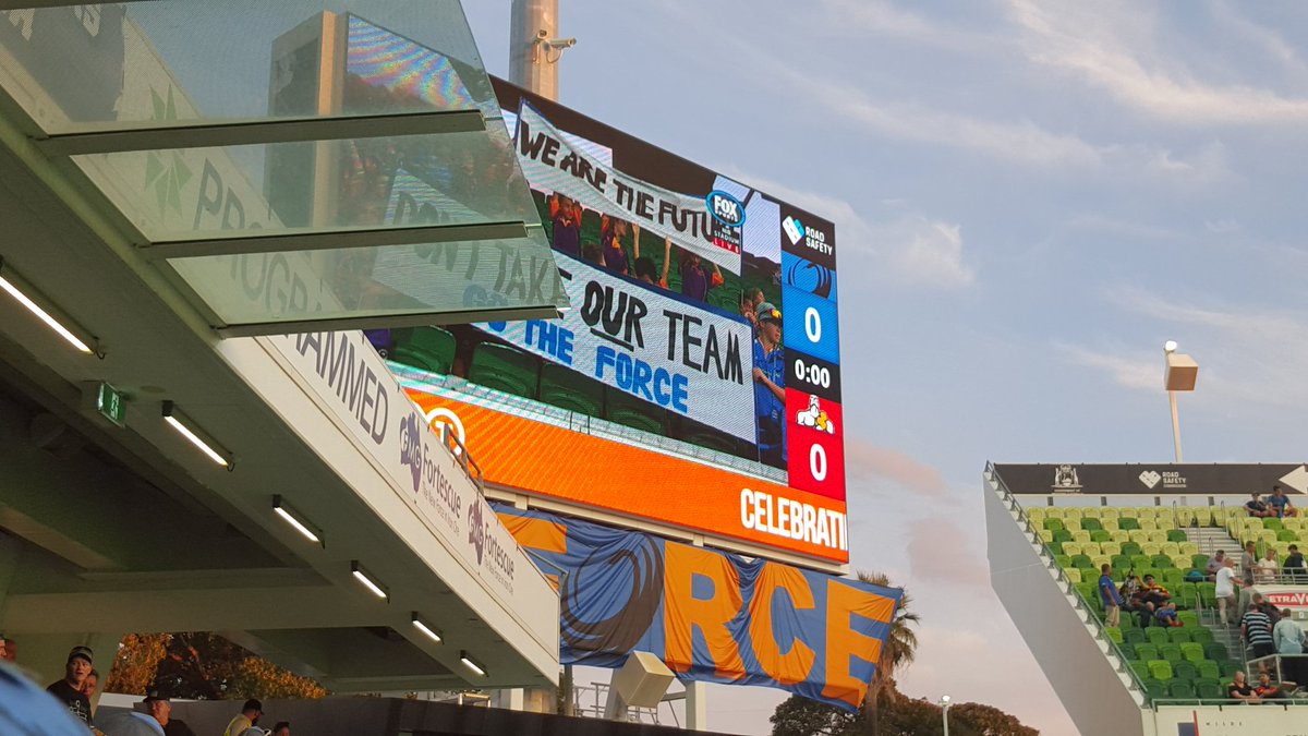 @nibStadium is shouting out loud and proud for OUR @westernforce! #FOR...