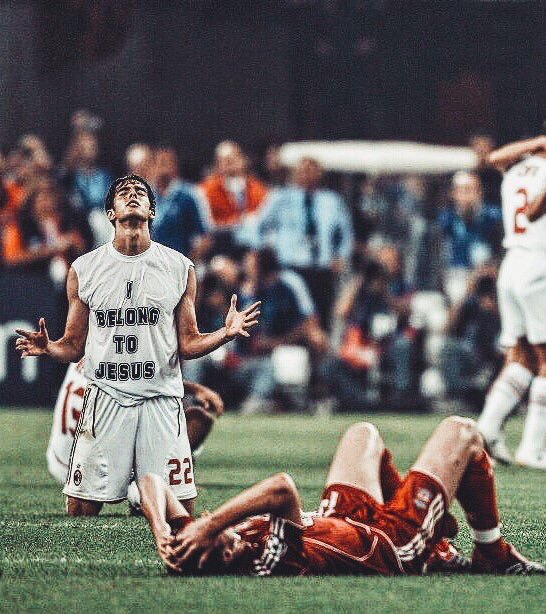 Happy birthday, Kaká! Career apps: 598 Goals: 184 Assists: 113 Trophies: 12 Ballon d\ORs: 1