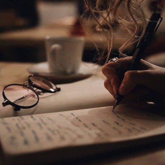 'Dans le désert de la langue L'écriture est une ombre Où l'on s'abrite.'