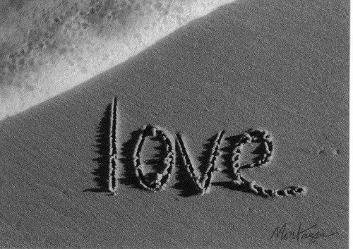 Seul l'amour peut garder quelqu'un vivant.                Oscar Wilde