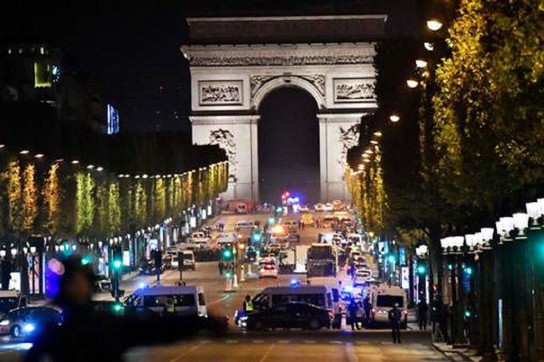 #Profil #Connu et revendication intrigante: ce que l'on sait sur l'#Attaque à #Paris -  http:// actugm.com/?p=17121     sur  http:// actugm.com    pic.twitter.com/H2CfvMF3Xd