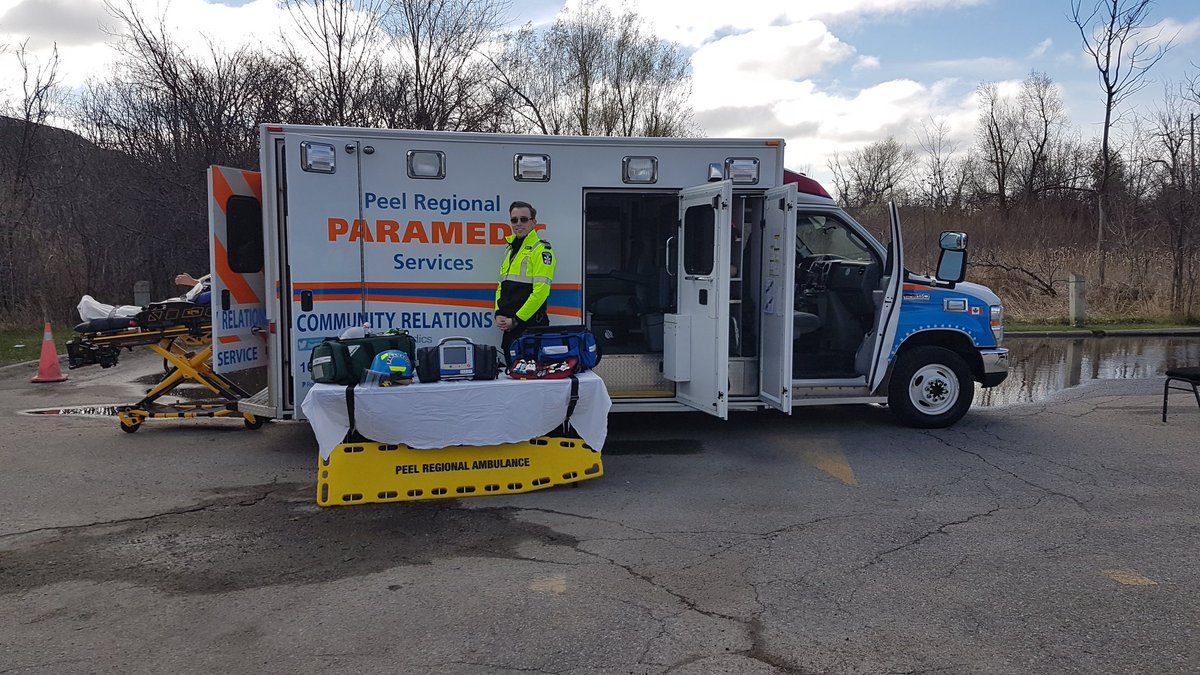 @Peel_Paramedics is at Professor's Lake for #earthday2017 on this beau...