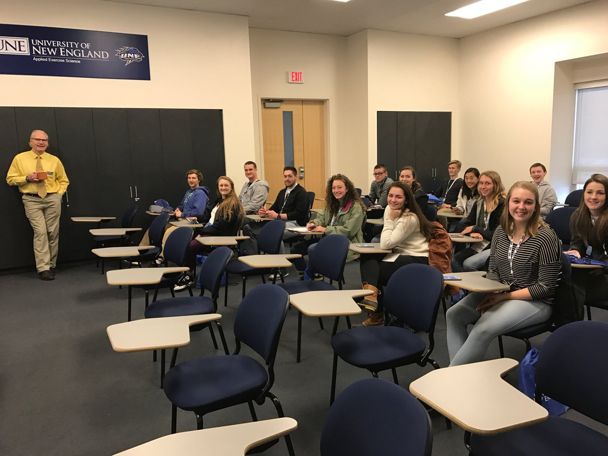 We hope you are enjoying the Info Sessions! Don&#39;t be afraid to ask questions! #UNEday17 #UNE <br>http://pic.twitter.com/ipGWECWmf3