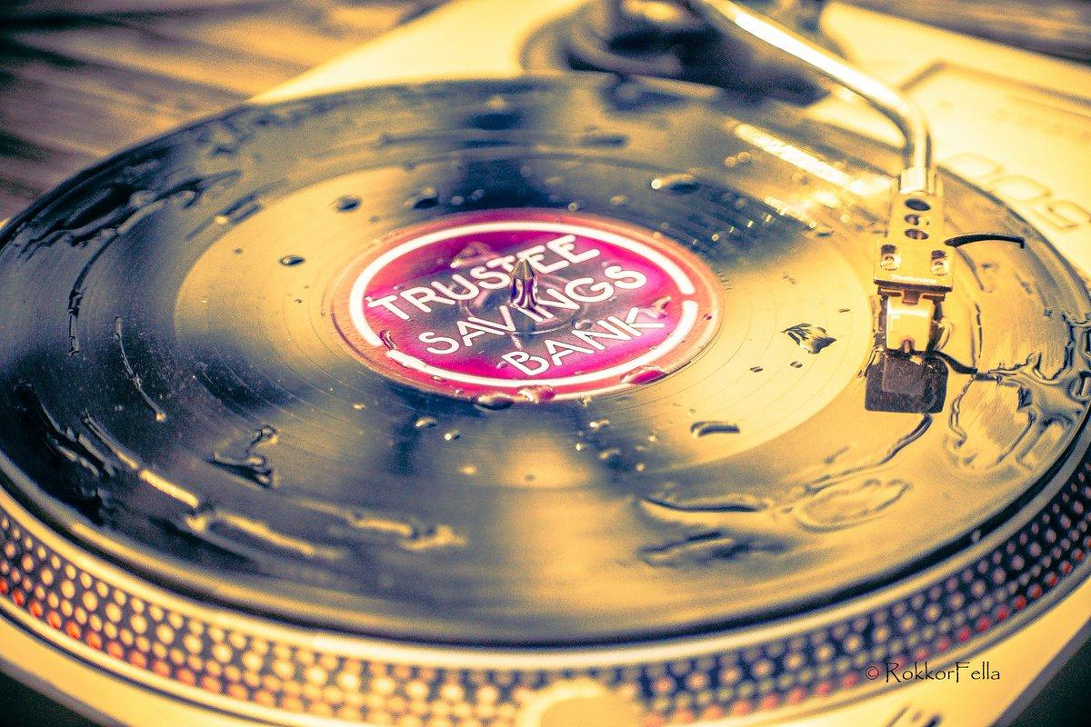 Vinyl-y here!! #RecordStoreDay #recordstoreday2017 #indie #alternative #vinyl #record #music #Rock <br>http://pic.twitter.com/8TTEGhtSkA
