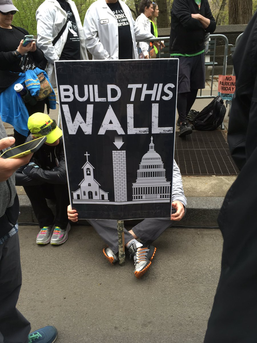 "#ScienceMarch ""build this wall"" https://t.co/1mleveIAx9"
