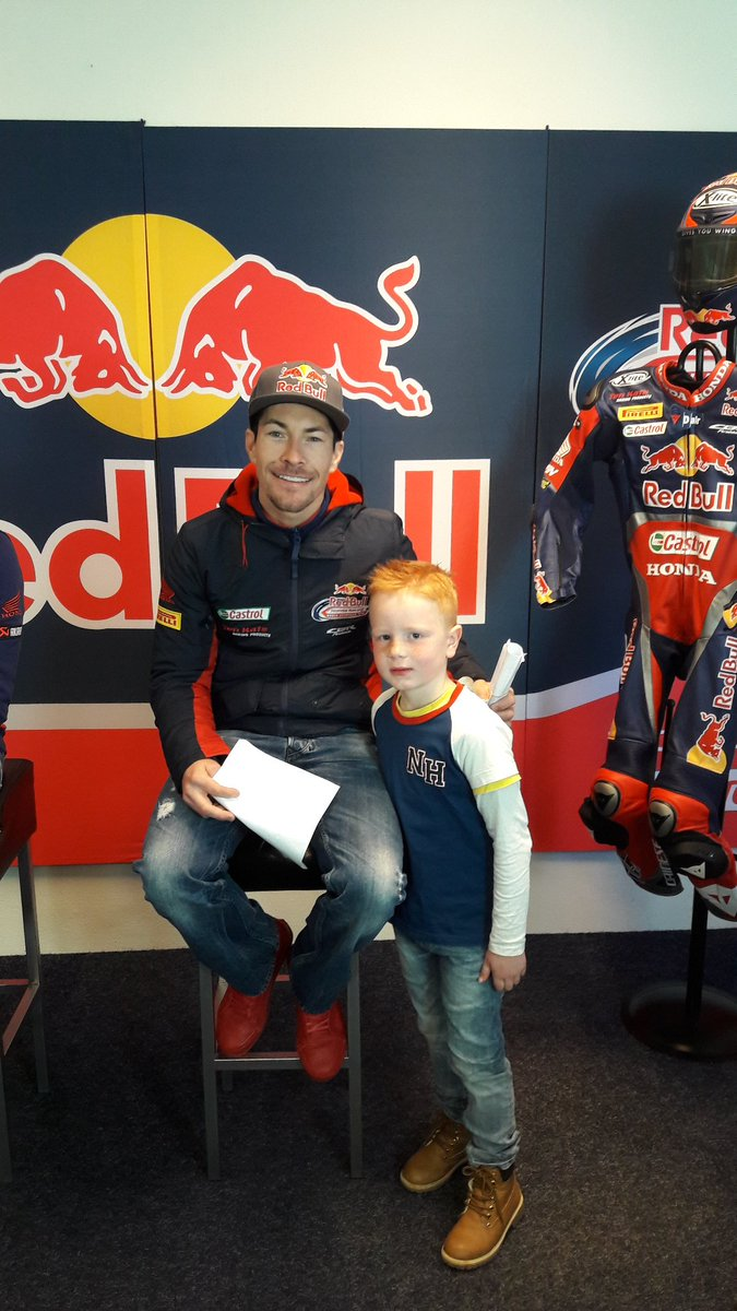 My little son Hayden with @NickyHayden  it was really cool the meet and greet. A lot of success Next weekend 💪✊✊@HondaWSBK @Tenkatemotoren https://t.co/Dizoz3h9bu