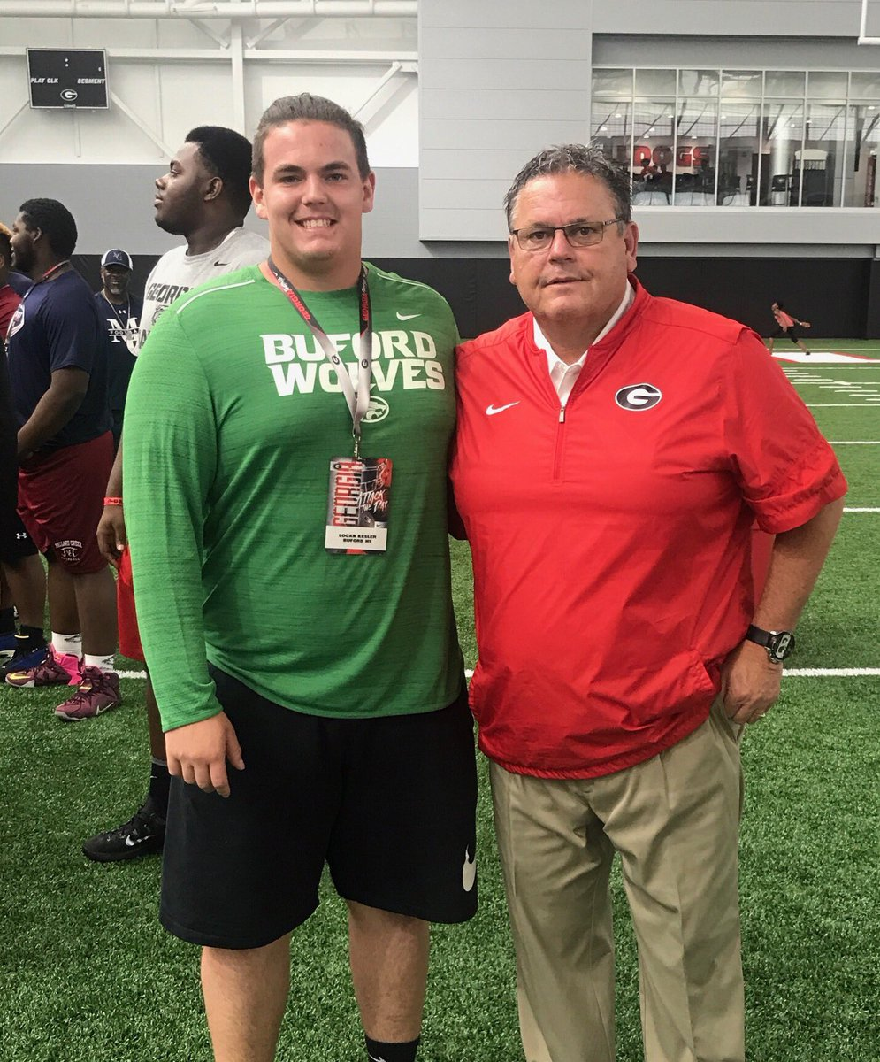2018 OC/C prospect Logan Kesler (left) with Georgia Offensive Line Coach Sam Pittman (Photo from Logan Kesler/Twitter)