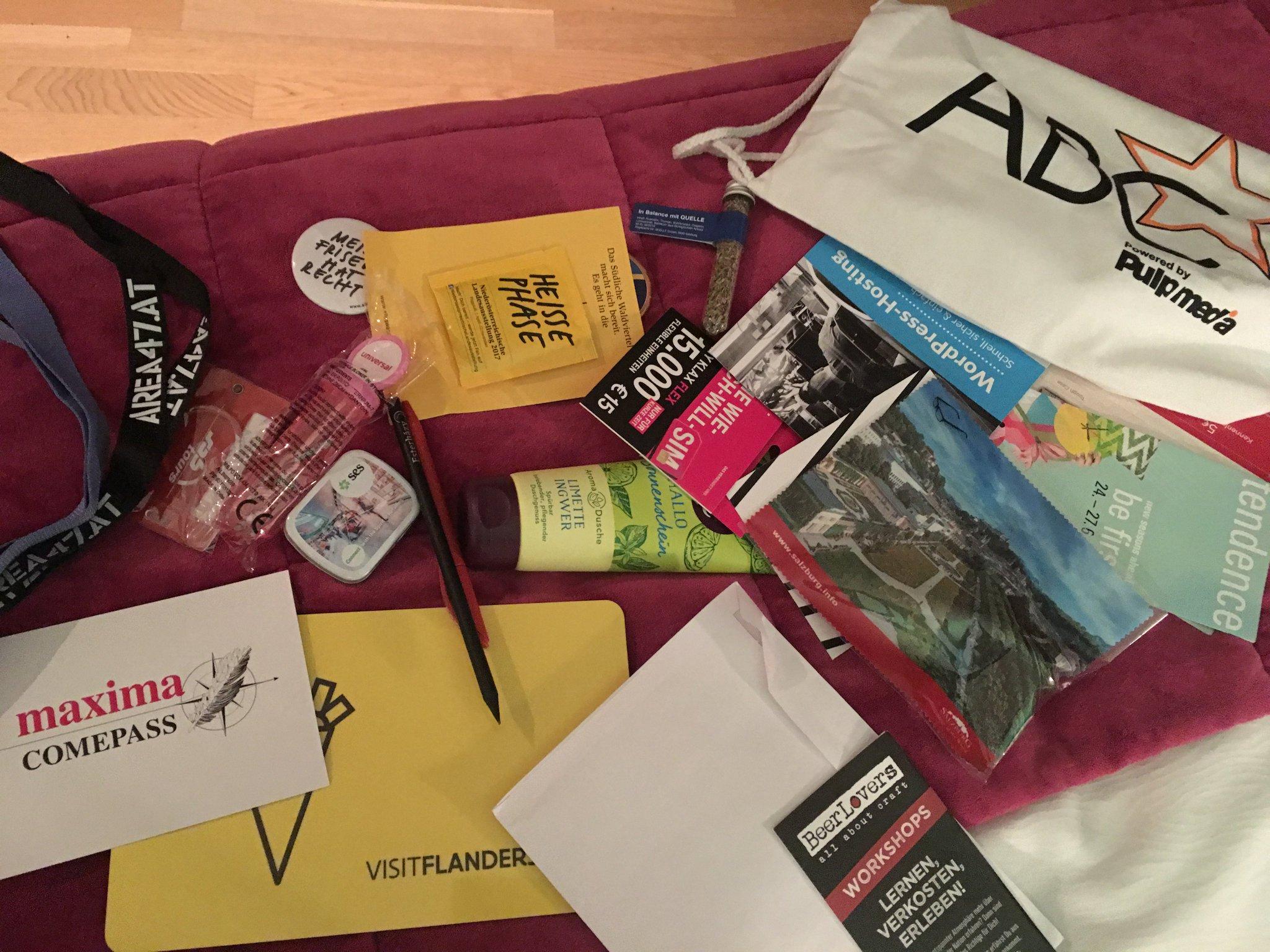 Mal in Ruhe die goodies angucken von der #abcstar Davon können wir einiges sehr gut gebrauchen #meurers Danke an die Sponsoren! https://t.co/p06bgurV8C