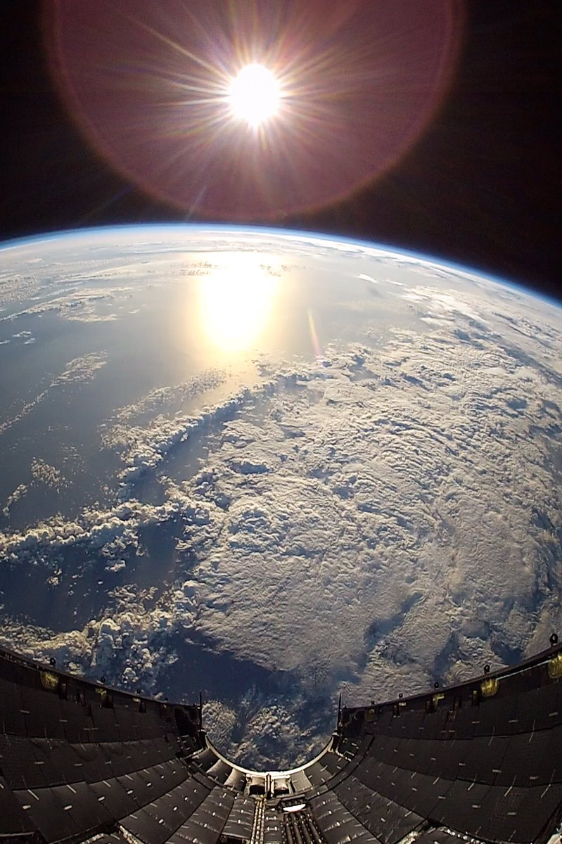 View from the fairing during SES-10 mission. #EarthDay https://t.co/zPYQRQ3BkR