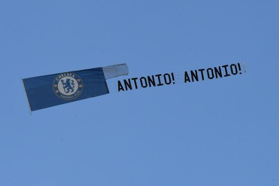 """Whoever organized the """"Antonio Antonio"""" fly past. I'd like to buy you a drink! https://t.co/5y26GyqVcg"""