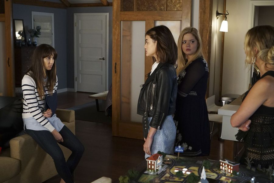 Spencer… You have something to tell the #PrettyLittleLiars. https://t....