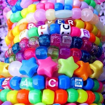 Making kandi for #FestivalSeason on my new Snapchat today   Stay tuned: CottonKandiKid  <br>http://pic.twitter.com/WopP1VFHMl