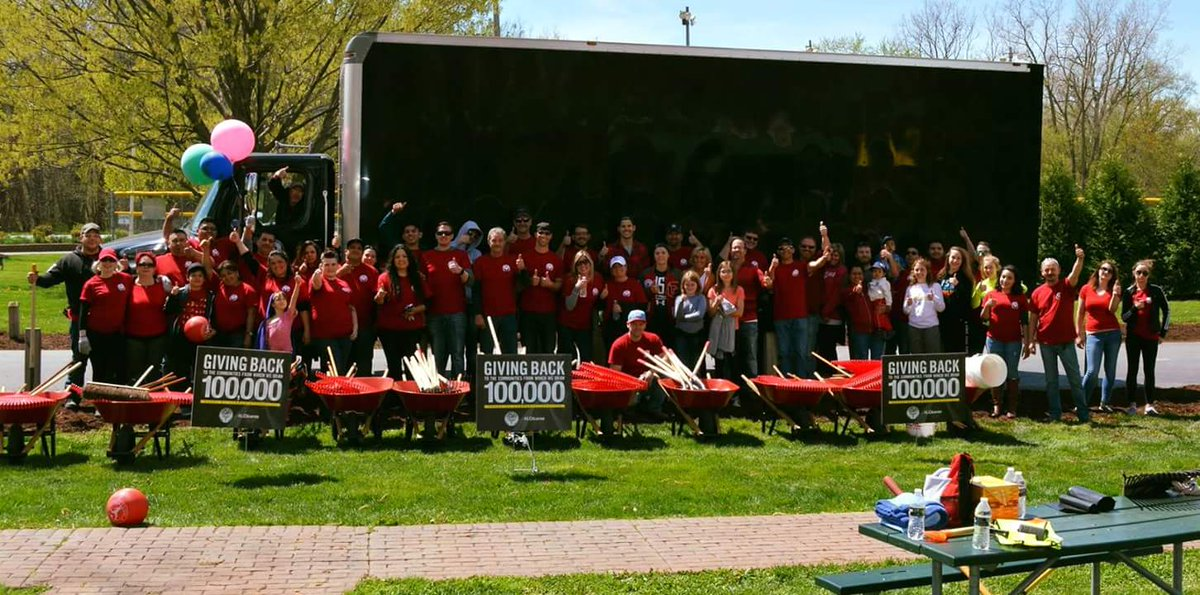Giving back to our communities one step at a time, park clean up for earth day was a success! #LCICARES #100000HOURS #LCI #earthday2017 <br>http://pic.twitter.com/VloBbsAqyd