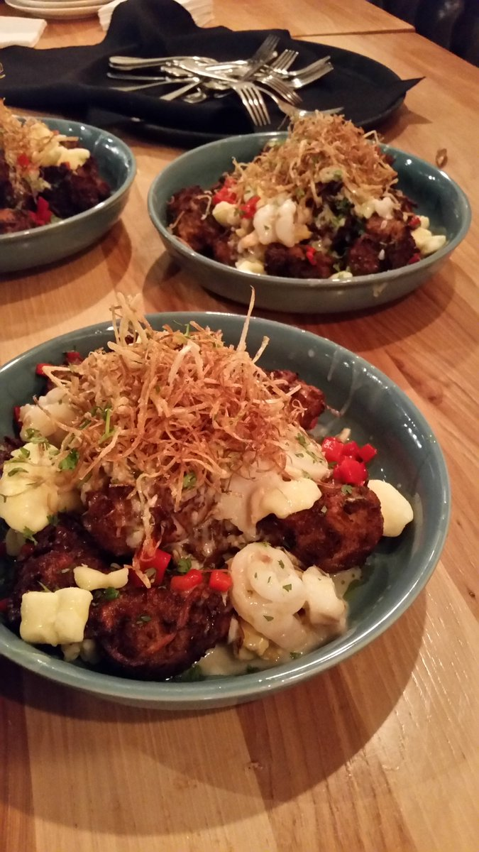 West Coast #Poutine from @bridgesonfirst was wicked! Paired with a @WeAreBrewsters brew, tater tots + West Coast wild cod, clams &amp; mussels!<br>http://pic.twitter.com/EULIAXuyWl