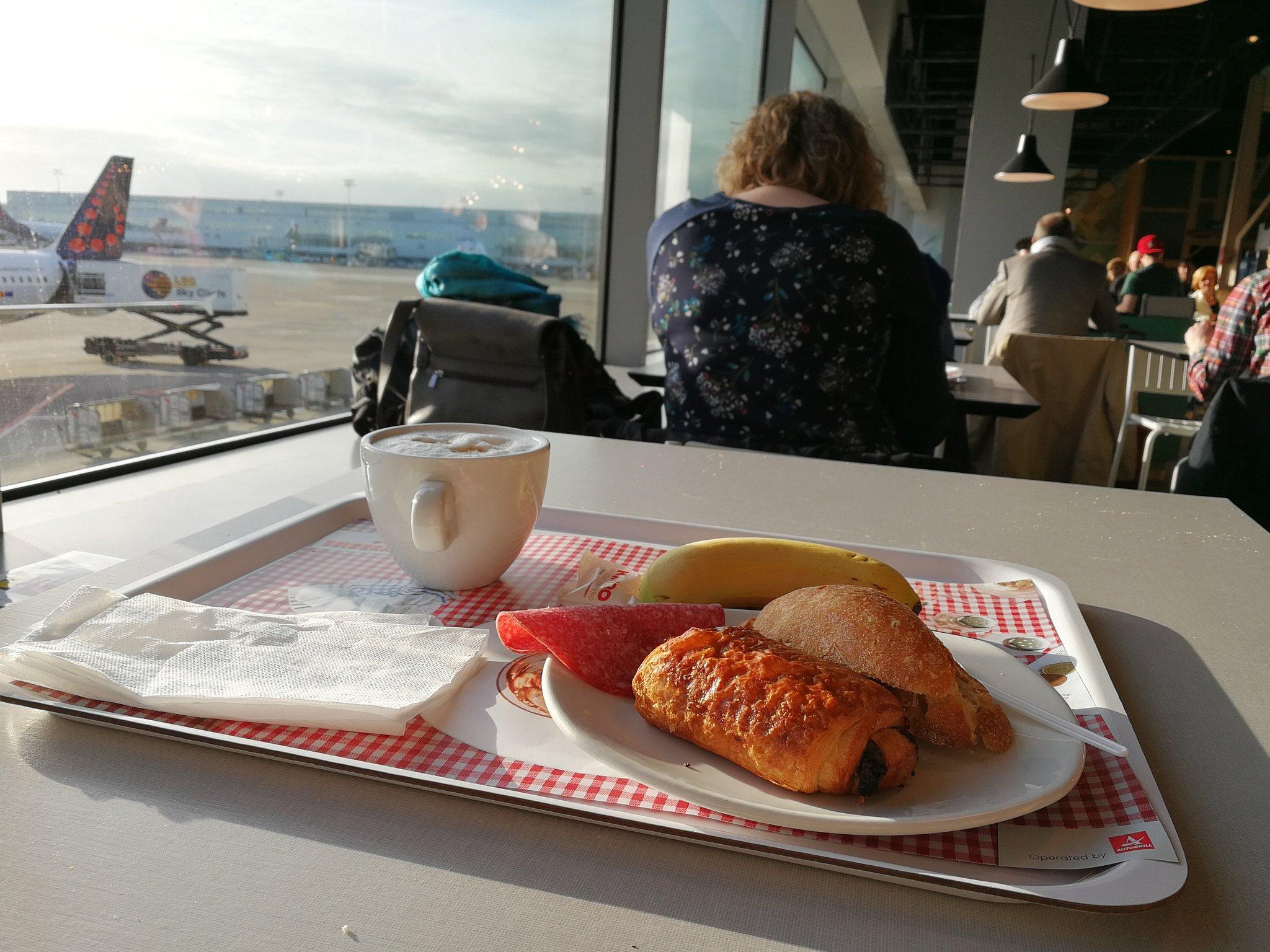Les dimanches au soleil chez @BrusselsAirport ! https://t.co/10IceE4d7S