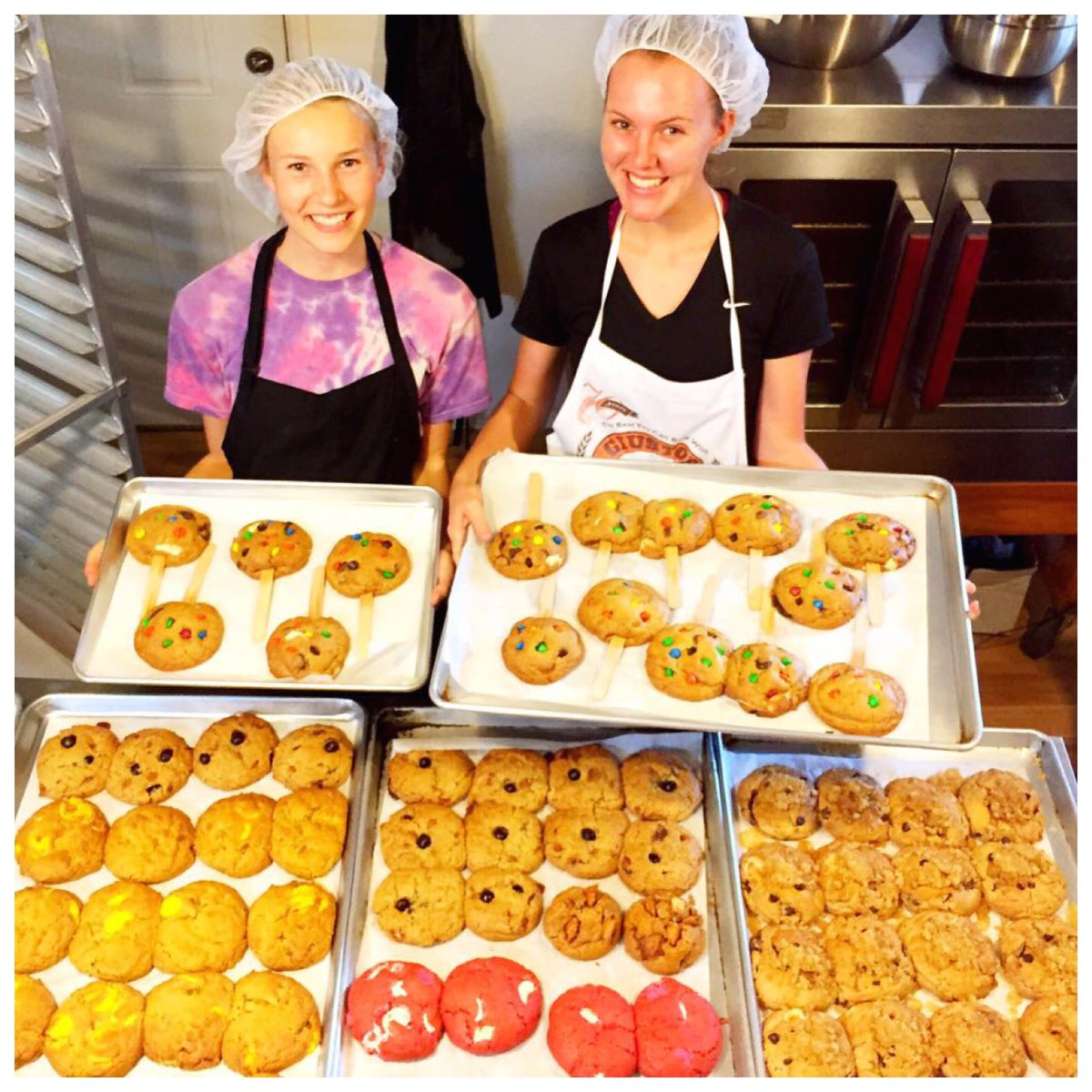 Our adorable cookie elves hard at work making bellies happy near and far #cookiesfordays #cookiestagram #hawaiieats