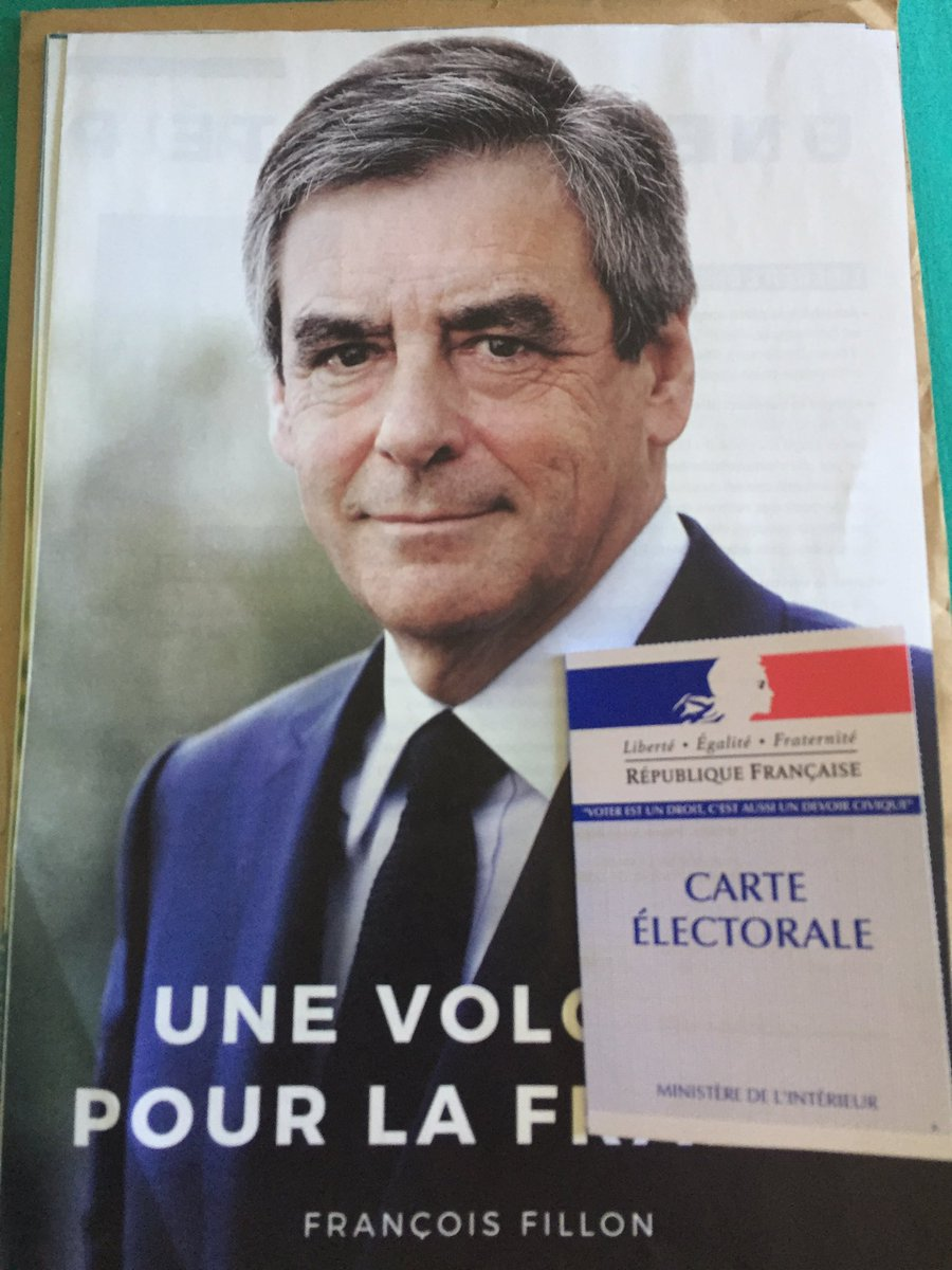 Soutenons notre candidat @FrancoisFillon #JeVote #Presidentielles2017 #Avote #jevotefillon @lesRepublicains<br>http://pic.twitter.com/hpMIWyvhk2