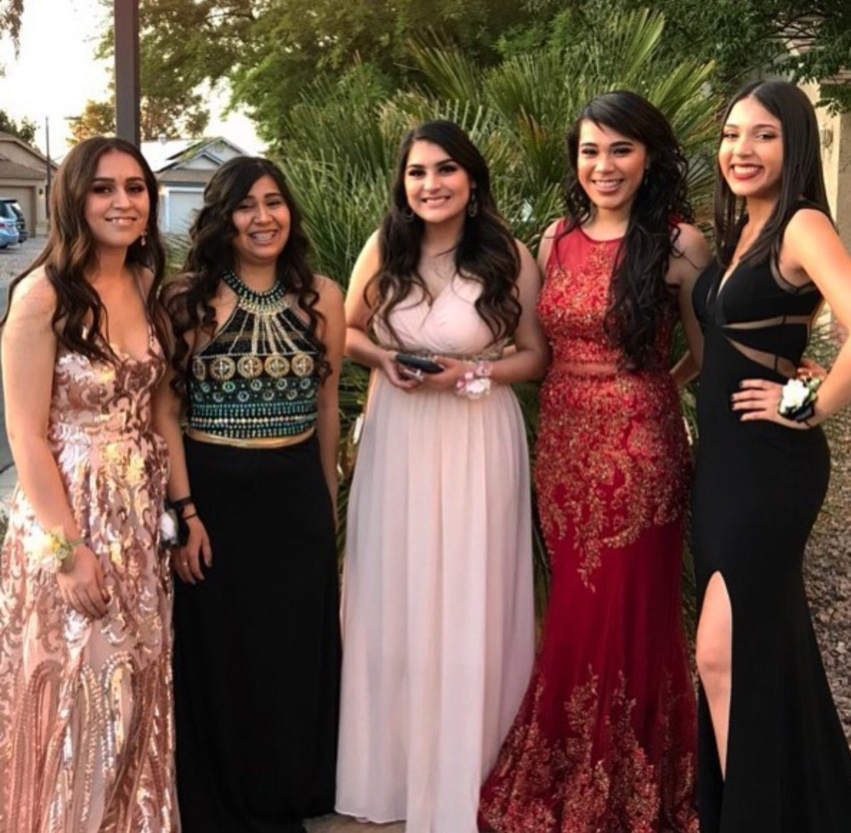 the music at prom was bad but that's okay because i spent that time with my friends whom i love very much ❤