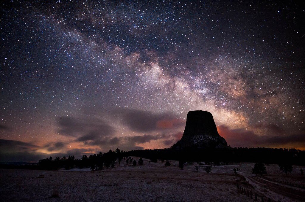 Mother Nature puts on the best night shows! #MilkyWay @DevilsTowerNM #...