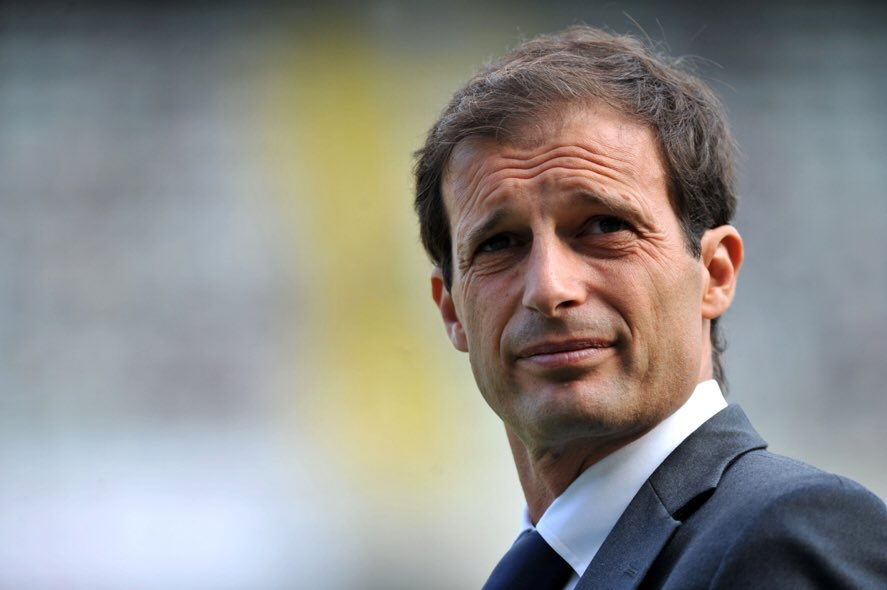 Arsenal playing great with 3 at the back, but only one man can allow us to perfect it. #AFC #COYG #Allegri <br>http://pic.twitter.com/4Yrgdg931r