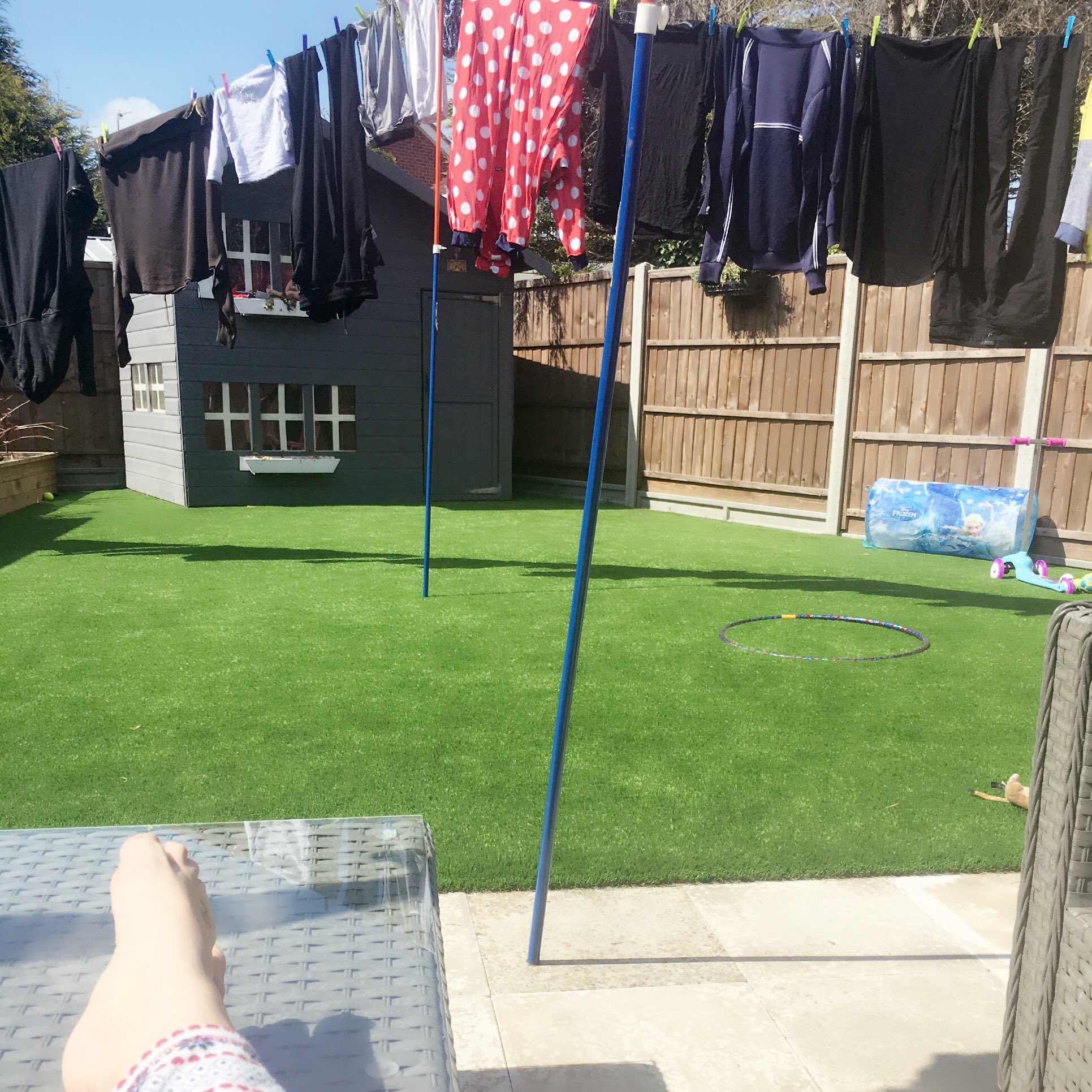 Chillin in the garden! Washing is out, sun is shining! Happy kid!! https://t.co/v5oKD55N71