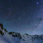 今朝未明に撮影した、こと座流星群の流れ星。1枚目、天の川をゆく2枚目、北極星を横切る長野県中央アルプ…