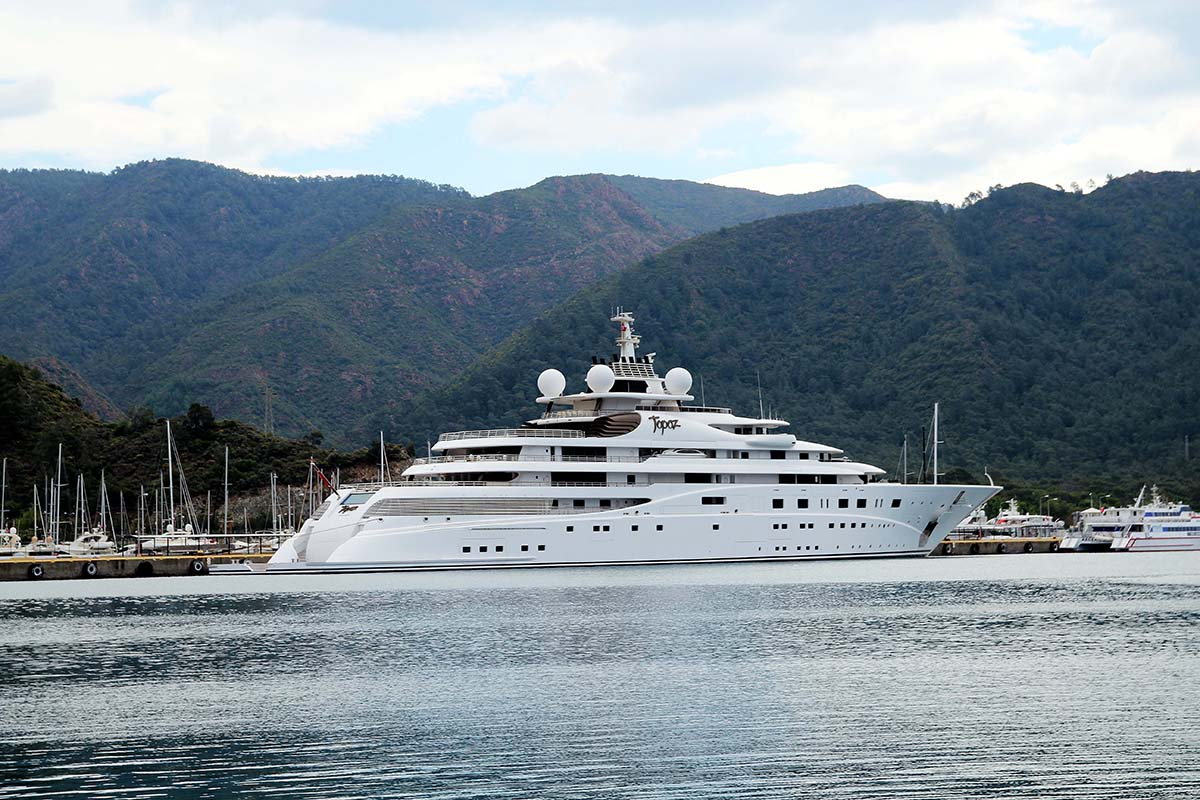 Daily Sabah On Twitter 400m Euro Mega Yacht Topaz Owned By Sheikh