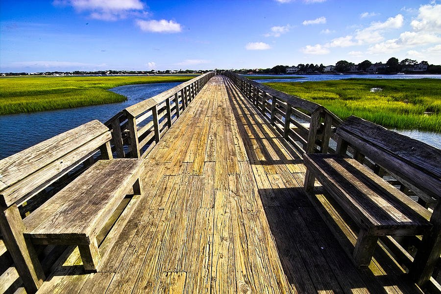 The #Charleston Area is awash with perfect places for #NationalPicnicDay; we kinda  the Pitt Street Bridge! Where&#39;s your hamper today? <br>http://pic.twitter.com/1EB7DaO0UG
