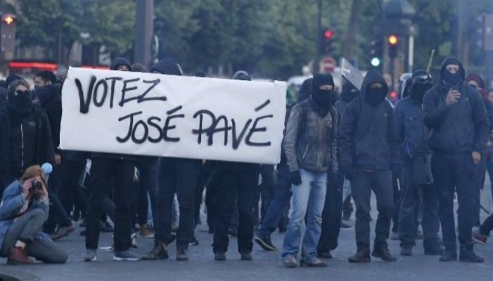 #FrenchElections: When Libs Believe They May Lose An Election, They Send In The Brownshirt Antifa Thugs... #Paris Just Like 1930&#39;s Germany <br>http://pic.twitter.com/KeMJvHJp1P