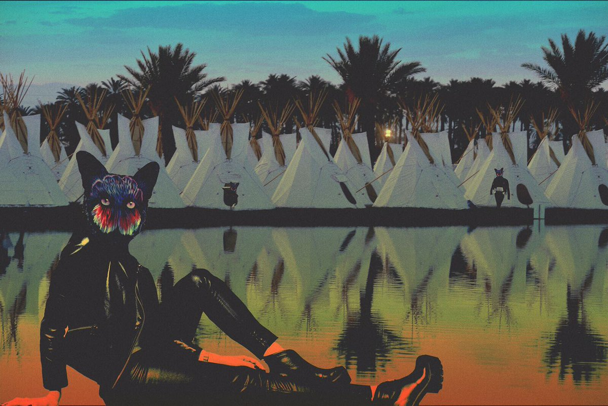 .@COACHELLA!!! Tonight: 8:45pm @ Sahara Tent 😃 Catch us there for rd 2 #Seafoxchella 🙏🏻🙏🏻