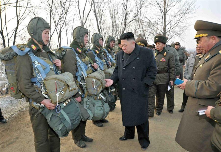 North Korea Says Ready to Strike U.S. Aircraft Carrier  http:// buff.ly/2oW2naF  &nbsp;   #Kimjungun #NorthKorea #Trump #President #USNavy #Nukes #Bomb<br>http://pic.twitter.com/83ZQqQlpq9