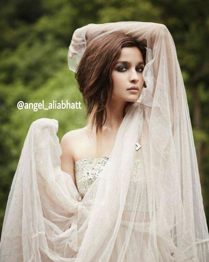 Gorgeous @aliaa08  #AliaBhatt #angel_aliabhatt #Gorgeous #beautiful #beauty #pretty #love #Bollywood #bollywoodactress #FolloMe<br>http://pic.twitter.com/b0DkJbzIo0