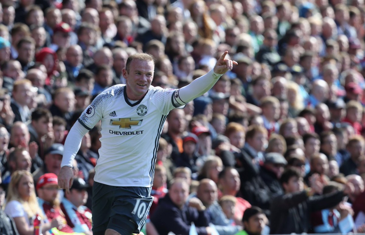 Turf moor isn&#39;t the easiest of places to go get a result! Well done skipper and Anthony for bagging the goals #MUFC <br>http://pic.twitter.com/PRAmLHqSbv