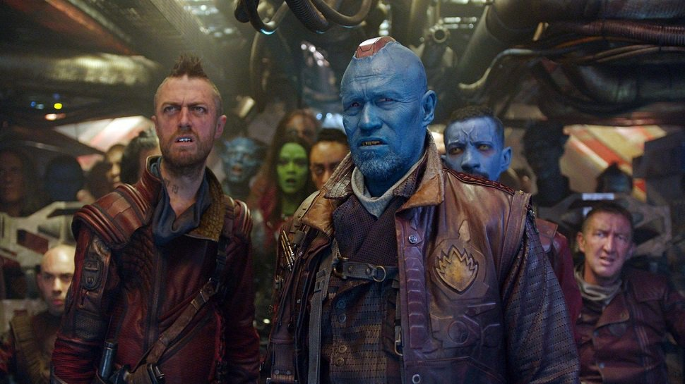 #JamesGunn shows why #GuardiansOfTheGalaxy2 has the best extras ever:...