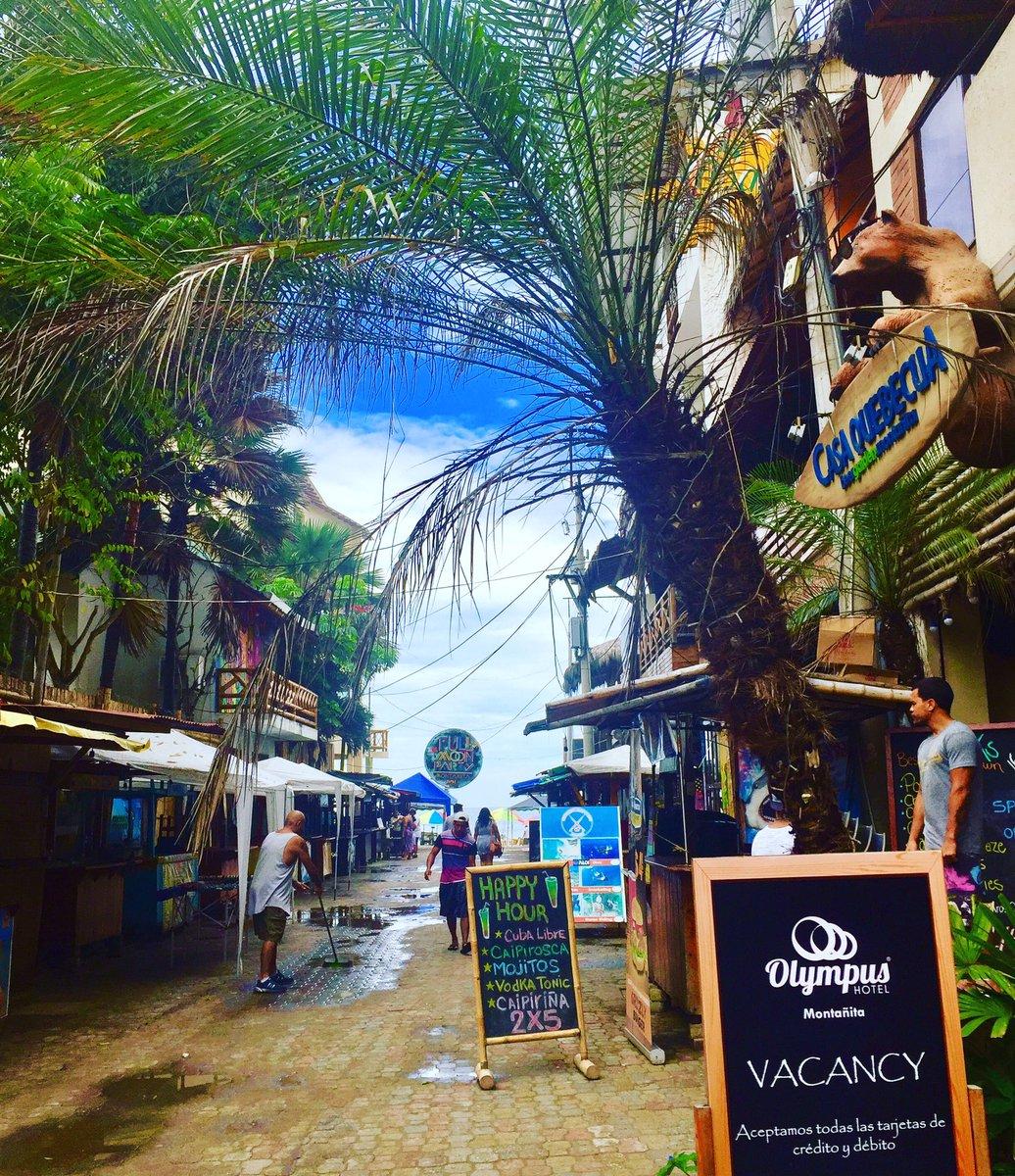 Montanita beach #beach #montañita #ecuador #travel #view #equador #pacific #ocean #praia #beachfront #beautiful #coast<br>http://pic.twitter.com/OLW3H0S6qF