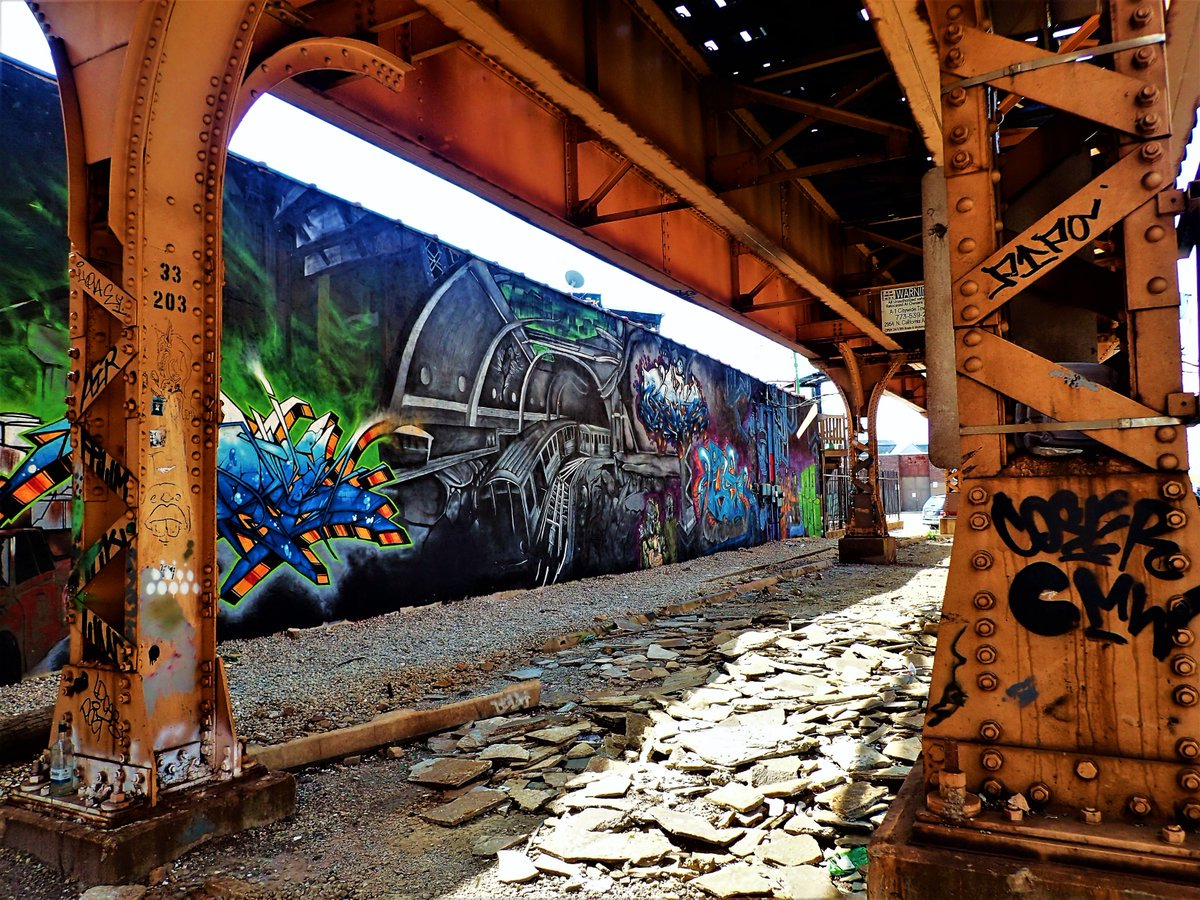 'Let's hear it for the #StreetArt that beautifies #Chicago.' (Photo: @anawanna1958)