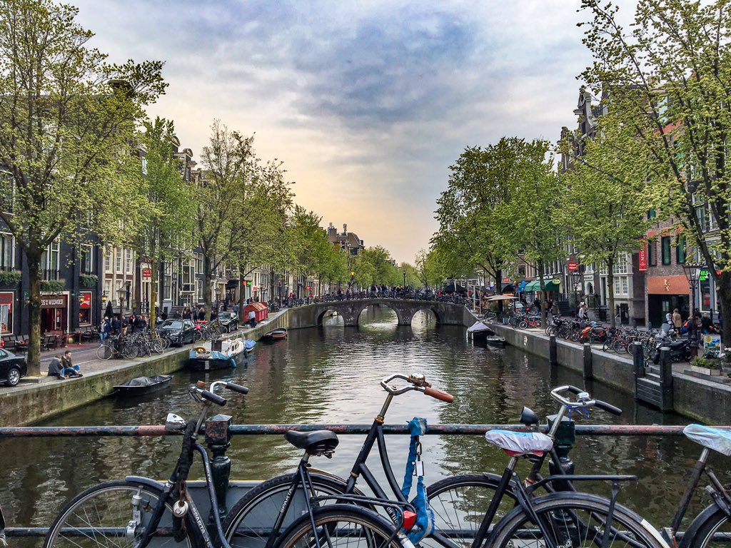 Thank you @EASLnews @EASLedu for bringing the #ilc2017 to #Amsterdam. Amazing congress in an amazing city. #manila2ams <br>http://pic.twitter.com/Y7eBmIcQnK