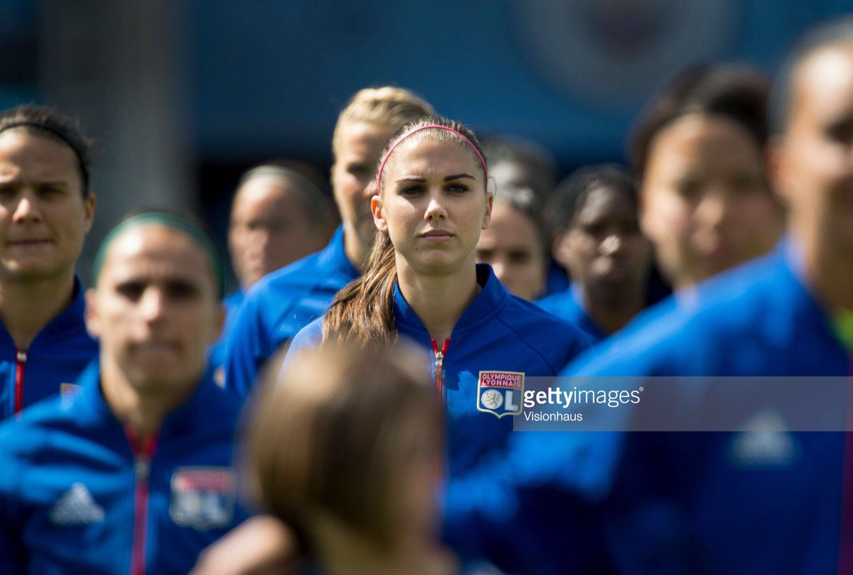 Great photo!  #AlexMorgan #TeamOL #USWNT<br>http://pic.twitter.com/vHxKc39vpD