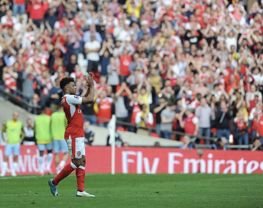 Get in!!!! Gooners out in force today ���� Great win! #COYG ��⚪️ https://t.co/uptb9bNILQ