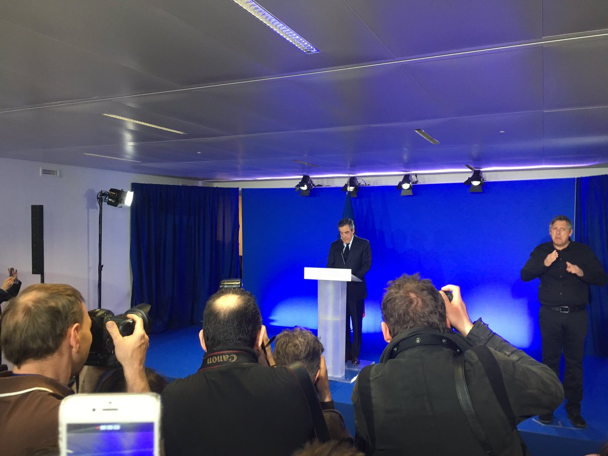 #Fillon: defeat is mine. Calls to vote for #Macron.  FN &quot;know for violence and intolerance&quot;. Would bring &quot;chaos in EU&quot;<br>http://pic.twitter.com/6vnsl408SE