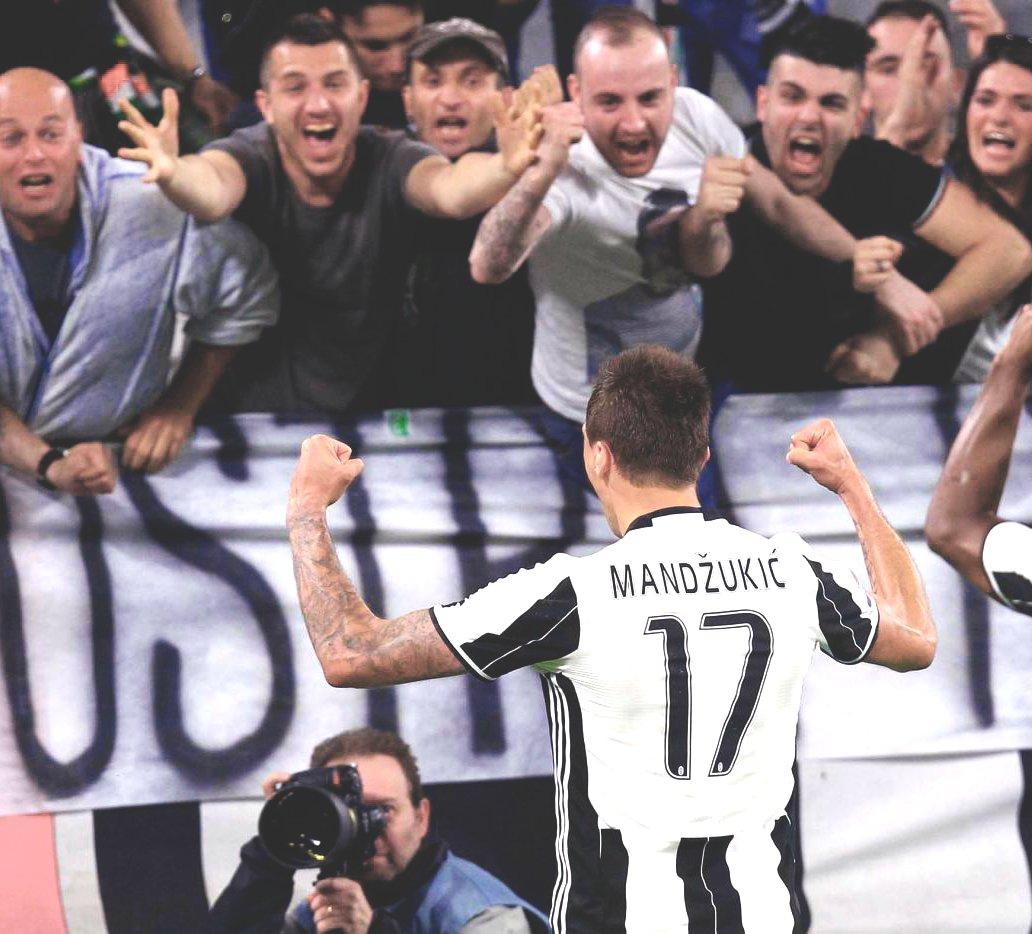 MARIO &quot;THE GLADIATOR&quot; MANDZUKIC @MarioMandzukic9  #JuveGenoa #mandzukic #Juventus #forzajuve #finoallafine<br>http://pic.twitter.com/6dfLumPk0K
