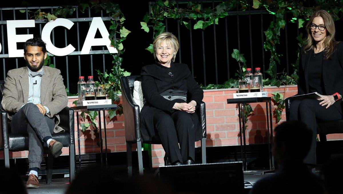 #HillaryClinton makes surprise appearance at Tribeca Fest https://t.co/wxtnIX4oFh