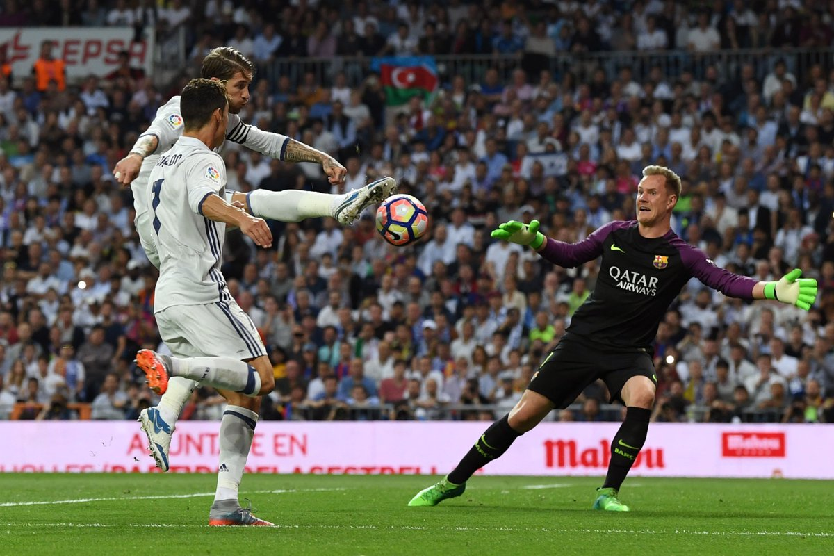 Marc-André ter Stegen's 12 saves against Real Madrid is the most he's ever made in a #LaLiga game for Barcelona.